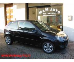 FORD Fiesta 1.2 16V 3p. Ghia !!!!