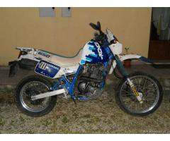 Moto Suzuki 650