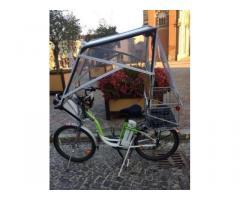 Bici elettrica con panelli solari