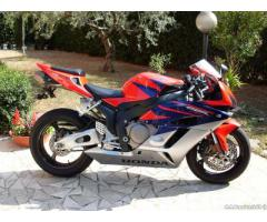 Honda CBR 1000 RR Fireblade anno 05