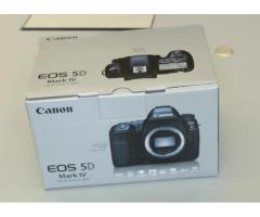Canon EOS-5D Mark IV DSLR Camera Kit