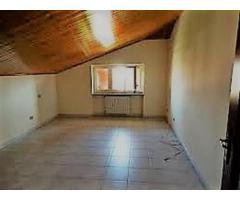 In vendita appartamento  trilocale mansardato a Montanaro (Torino)