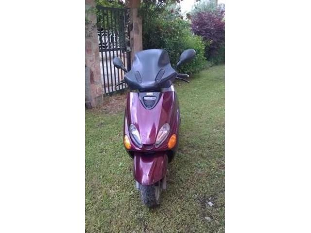 Scooter YAMAHA 125 senza marce