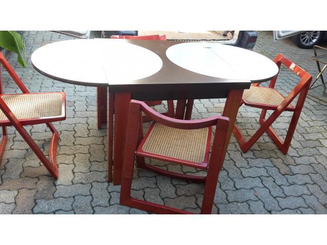 Tavolo e sedie trieste del 1966