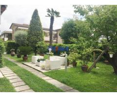 Villa a Lido di Camaiore