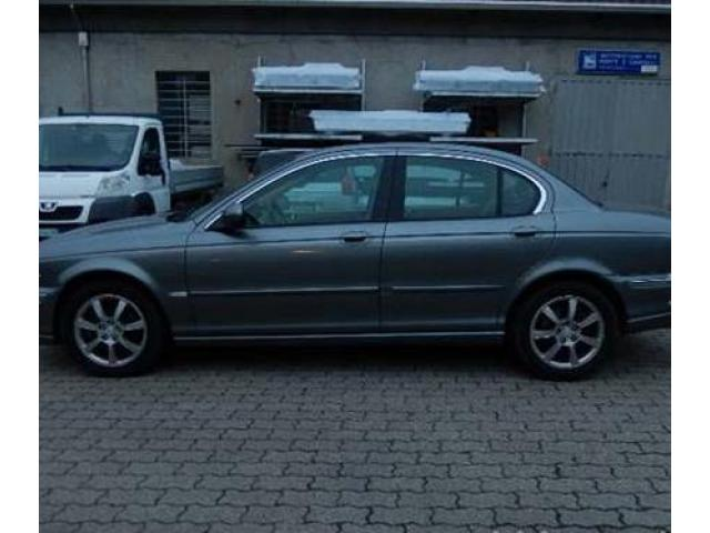 Jaguar X-Type 2.0 Con Interni in Pelle
