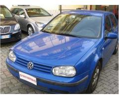 Volkswagen Golf 1.6 benzina GPL