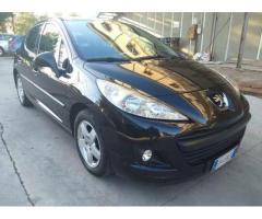 Peugeot 207 - 2010 gpl