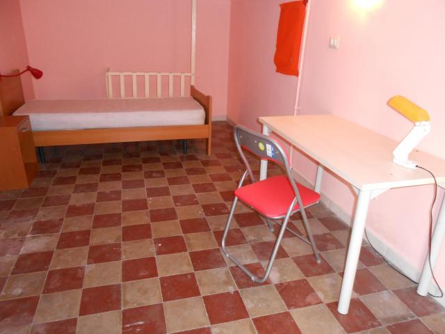 Stanza in centro x studentessa € 150
