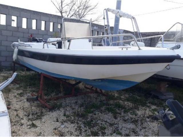 Barca open Lamberti pronta con trim