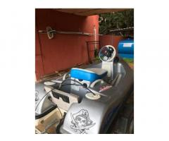 Motoretta d'acqua no patente o tender