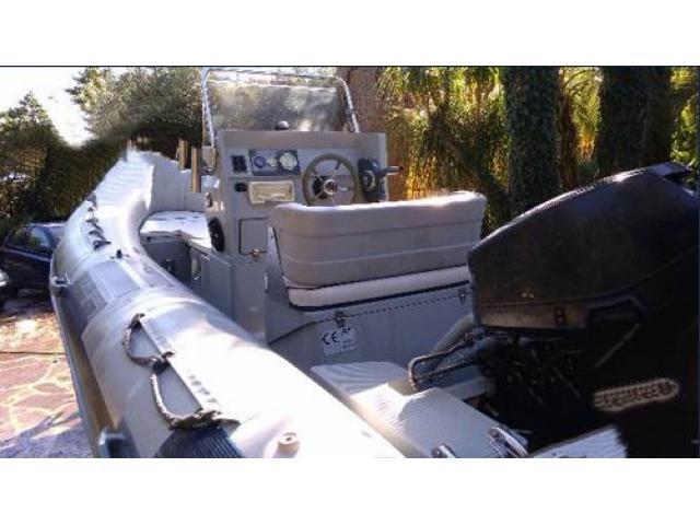 Gommone Joker 470 con carrello e motore