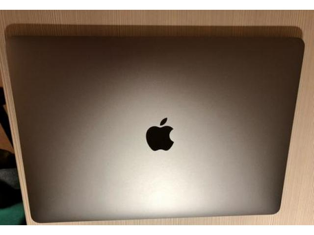 Macbook pro 2017 128gb nuovo