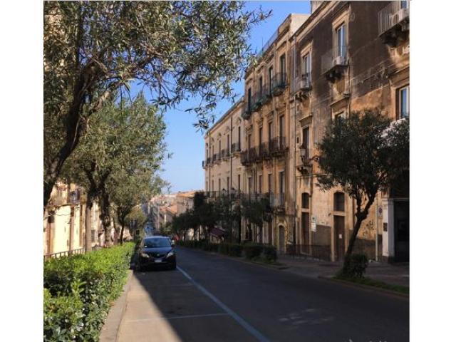Pentavani con terrazza centro storico