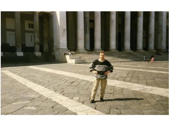 Cerco una ragazza - zona di Roma o Castelli