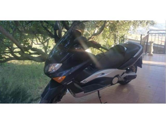 Yamaha tmax
