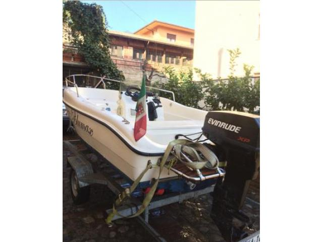 Barca motore e CARRELO