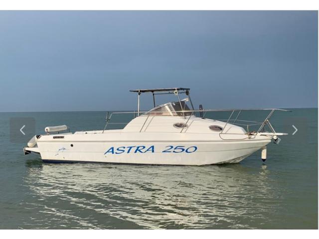 Barca Astra 250 pronta Cat Cee