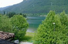 Affittasi appartamento con bellissima vista lago