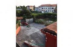 Villa indipendente circa 300mq zona Varcaturo
