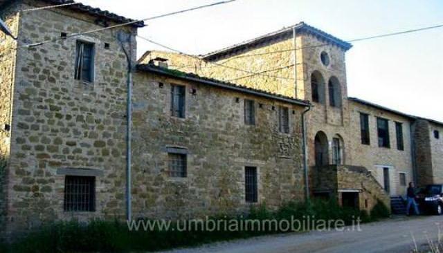 Palazzo circa mq. 1052 vic Perugia