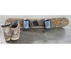 Snowboard 130 con scarponi 24,5
