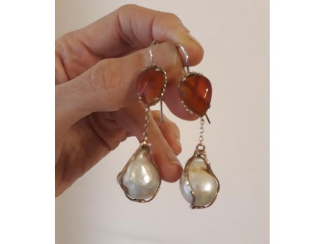 Orecchini argento, corniole e perle