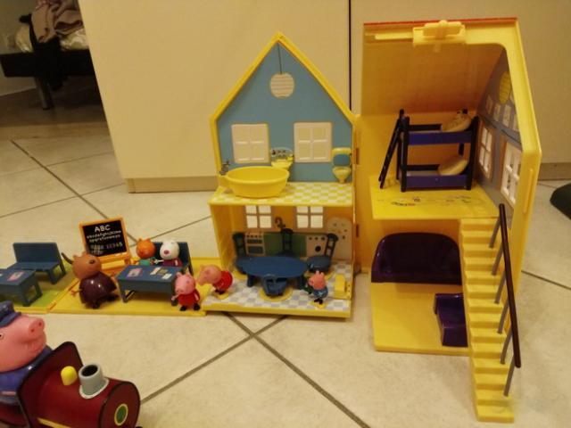 Casa, treno e scuola di Peppa Pig
