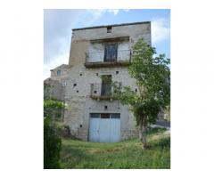 Casa singola, garage e giardino a Castelbottaccio