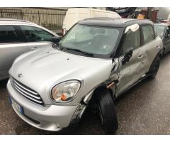 compro auto incidentate roma