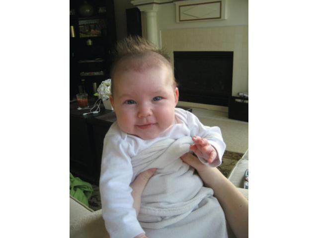bambina bella per l'adozione