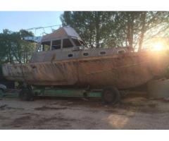 Imbarcazione in legno motori diesel