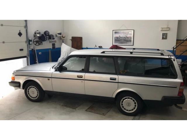 VOLVO 240 Polar 1990