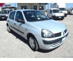 RENAULT CLIO 1,2 BENZINA - ANNO 2002 - Puglia