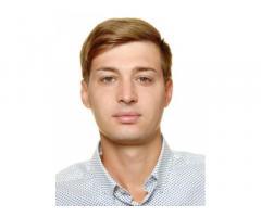 E-commerce manager, social media manager