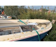 Barca pilotina senza motore (adatta a fuoribordo)