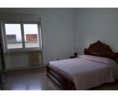 Lecce Appartamento 5 vani servizi box zona rudiae