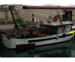 Barca da pesca con licenza