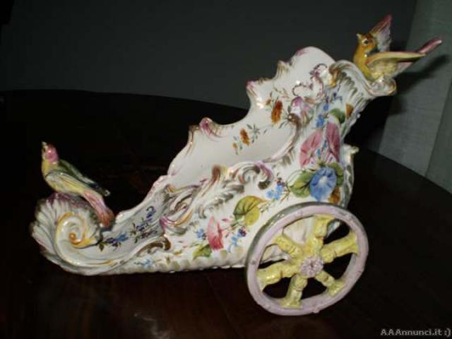 """Raffinata ceramica """"Carro con uccelli"""" di Nove '800 - Vicenza"""