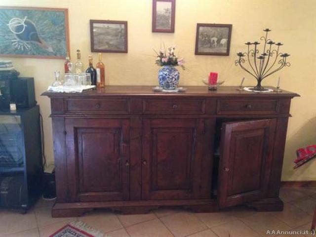 Credenze e tavolo - Lombardia