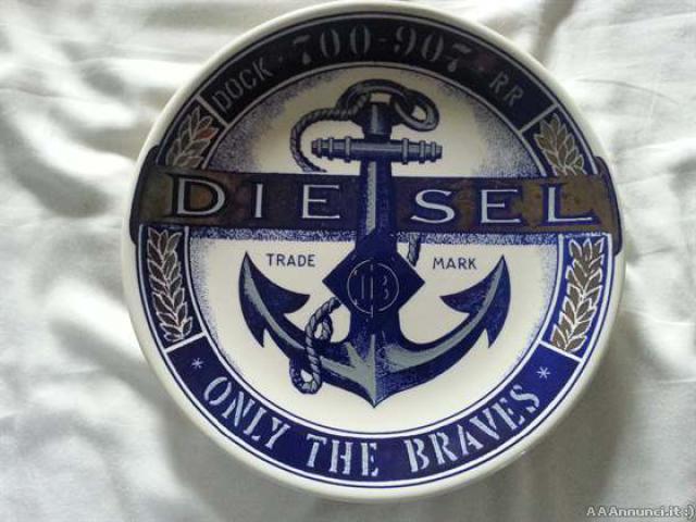 Piatto ceramica Diesel a tiratura numerata, firmato. - Vicenza