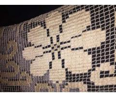 Sovraccoperta ricamata filet su rete fatta a mano - Roma