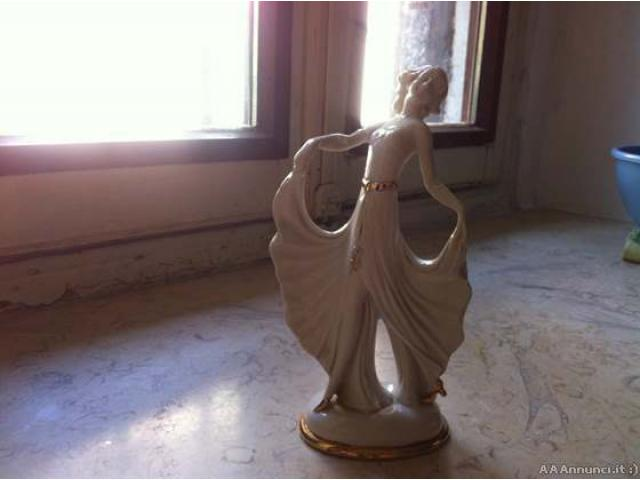 Statuetta Ballerina Capodimonte - Varese