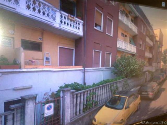 Affittasi appartamento di fronte fermata MM3 - Milano